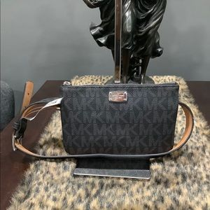 NWT MICHAEL KORS BELTED POUCH